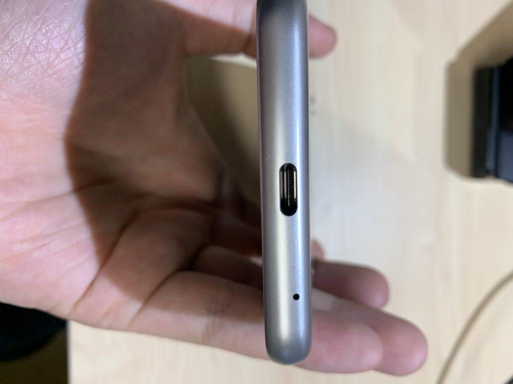 ZenFone Max (M2)のマイクロUSB